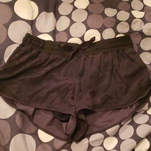 Brand new without tags Lululemon hotty hot shorts